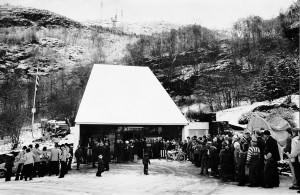 Fra Ulriksbanens gjenåpning lørdag 10. november 1979.<br />Fotograf: Ukjent.<br />Arkivet etter Morgenavisen A/S, Bergen Byarkiv.