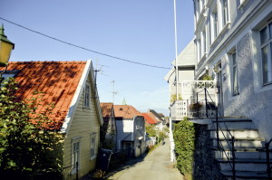 Cappes vei ble oppkalt etter kjøpmann og skipsreder Gerhard Joachim Cappe (1733–1802). Fotograf: Knut Skeie Aksdal, Bergen Byarkiv, 2013.