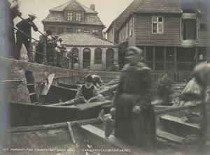 Strilene har i stor grad preget området rundt Vågen og Torget. Foto fra omkring 1870.