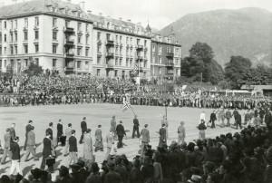 Møhlenpris idrettsplass i 1945. Fotograf: Ukjent. Arkivet etter Kommunalavdeling fritid, kultur og kirke, Bergen Byarkiv.