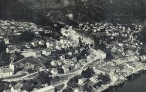 Ytre Arna omkring 1940. Fotograf: Ukjent. Fra arkivet etter Arne Fabrikker, Bergen Byarkiv.