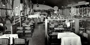 Chianti restaurant var plassert i 2. etg. på Bergen busstasjon, 1960 og 1970 tallet. Udatert foto. Fotograf: Ukjent. Arkivet etter Morgenavisen A/S, Bergen Byarkiv.
