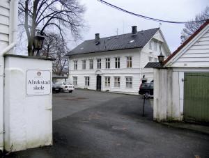 Alrekstad skole, Årstadgeilen 25. Fotograf: Ine Merete Baadsvik, Bergen Byarkiv.