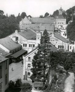Hansa Bryggeri på Kalfaret, trolig en gang på 1920-tallet. Fotograf: Ukjent. Arkivet etter Hansa Bryggerier, Lokalhistorisk Arkiv i Bergen.