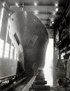 Sjøsetting av 'Lady Harrison' som ble bygget i 1983 ved Mjellem &Karlsen.