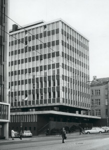 Bergen politikammer, Domkirkegaten 1, åpnet for publikum i 1965. Fotograf: Øyvin H. Berger. Fotoregistrering av Bergen, Bergen Byarkiv.