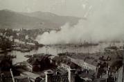 Brannen på Strandsiden i 1901. Fotograf: Ukjent.<br />Arkivet etter Havnekontor/havnefogd, Bergen Byarkiv.