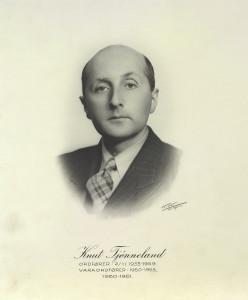 Knut Tjønneland (Arbeiderpartiet) var ordfører i Bergen fra 1953-59. Fotograf: K. K. Bergen. Arkivet etter Formannskapet, Bergen Byarkiv.