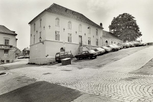 Nykirkens fattigskole ble omdøpt til Betlehem i 1742. Fotograf: Ukjent. Arkivet etter Morgenavisen A/S, Bergen Byarkiv.