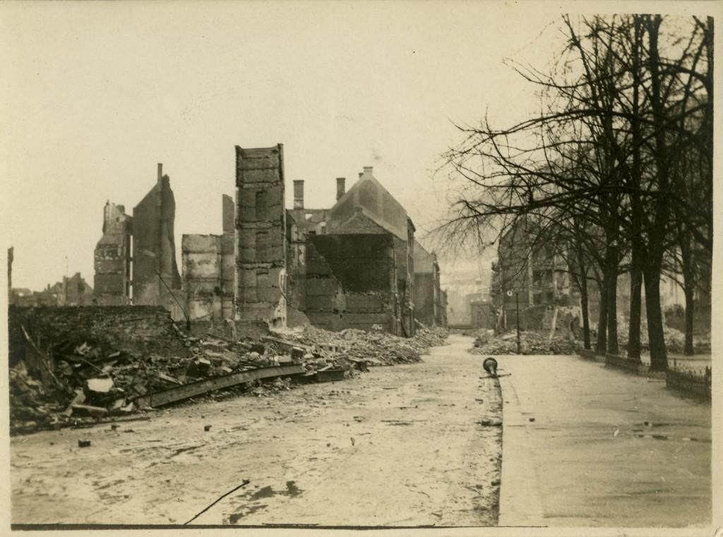 Olav Kyrres gate etter brannen. Arkivet etter Stadsingeniøren, BBA-0193. Fotograf ukjent, januar 1916.