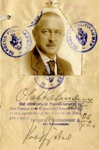 Passbilde fra 1918, her fra pass utstedt i Bergen mai 1920