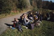 Elever fra Tveiterås skole på tur. Fotograf og dato ukjent. Fra arkivet til Tveiterås skole
